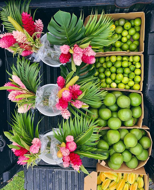 It's Aloha Friday and the stand is LOADED for all your weekend festivities + needs! Mahalo for shopping from our organic farm 🌺🤙