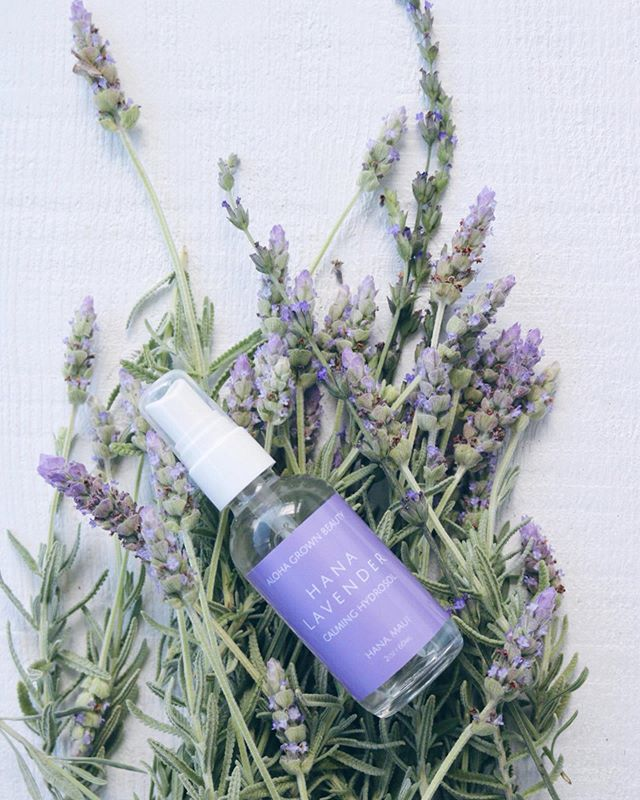 New to the Online Shop! Our Hāna Lavender Calming Hydrosol is a blend of both French Lavender (lavandula dentata) + Sweet Lavender (lavandula heterophylla) creating a healing sweetness that helps to soothe + calm skin irritations while promoting a positive vibe 💫✌️And since we notoriously love Fridays + have been MIA working on big projects (which we can't wait to share with you on here) we put a bunch of hydrosols on sale for $20 on the website 🌸🔮💧💌