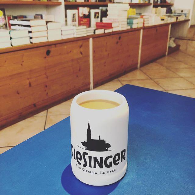 Auf die Plätze fertig los.... #verlagsvertreter #sommeroutfit #bayern #mingaoida #buchinderau #giesing #bookstagram #bücher #gutenmorgenkaffee #bier #kaffee