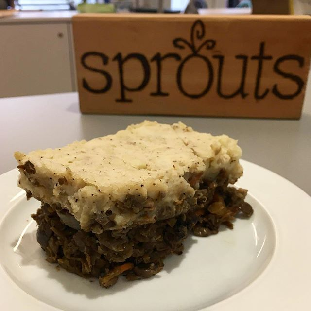 Vegan Shepard's Pie! Now on the menu at Sprouts Cafe! 🥔🥧