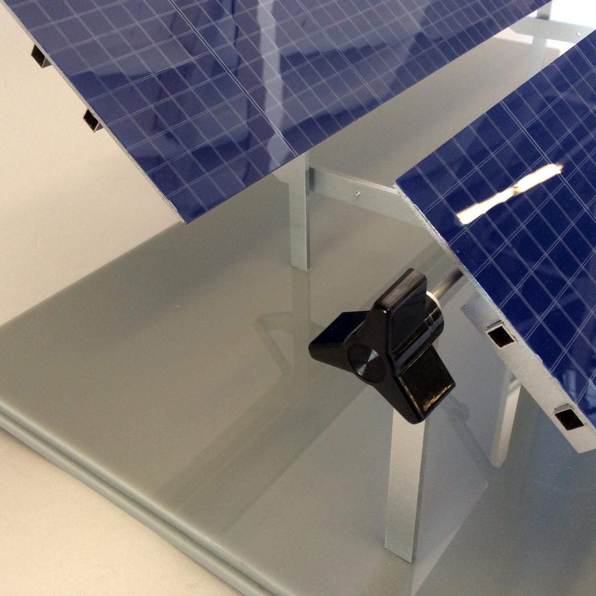Sunlink Solar tilt display