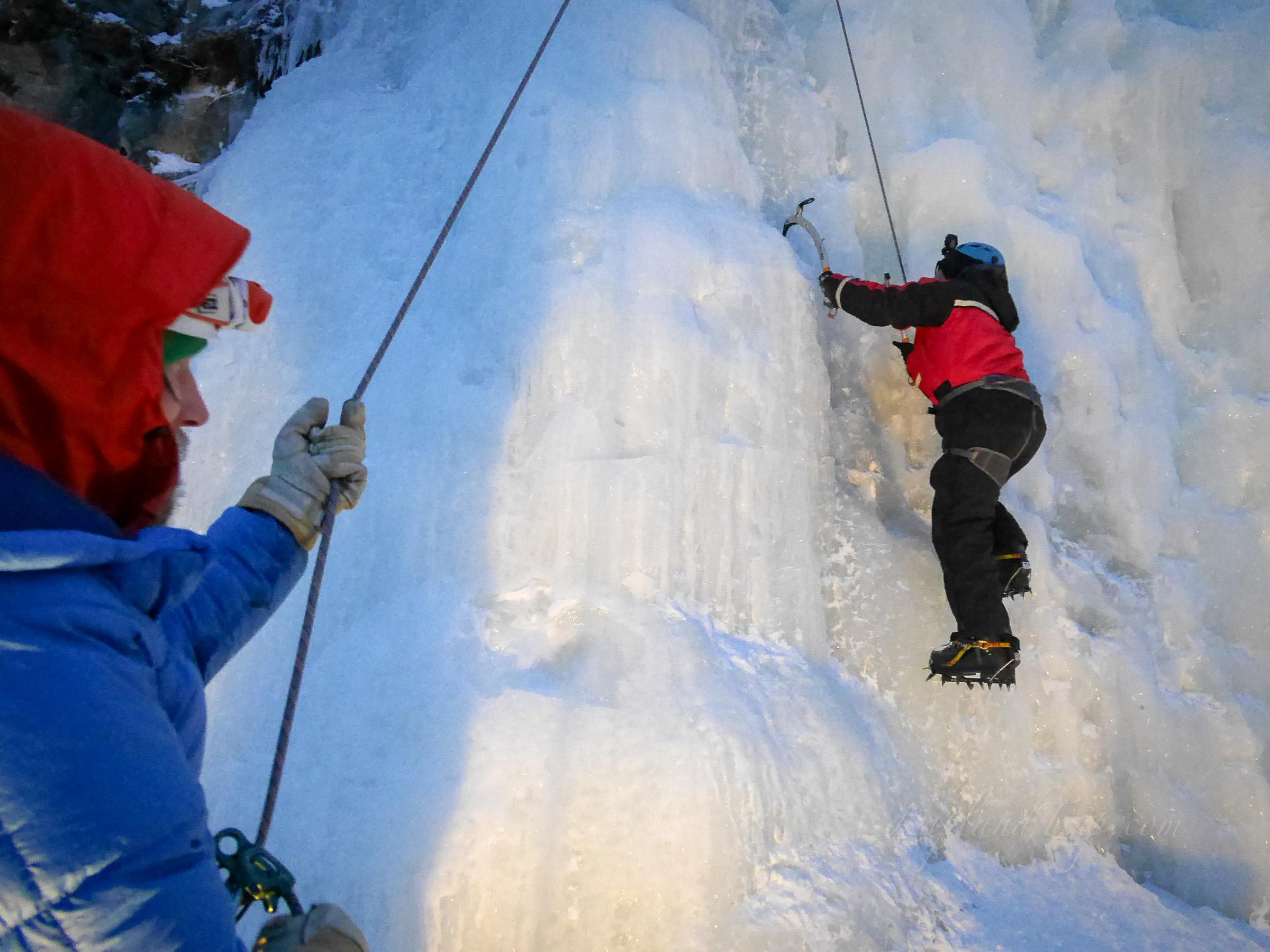 Ice climbing 冰攀