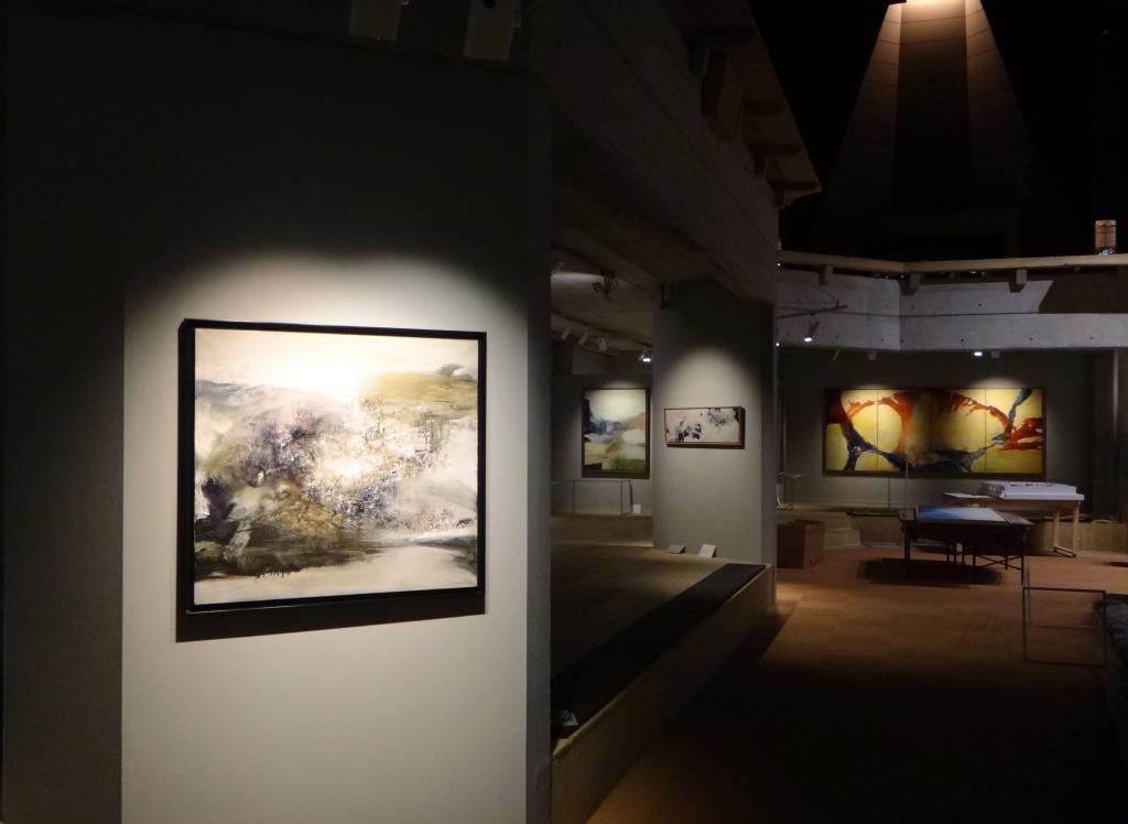 Exposition en cours de montage (photos Y.H.)