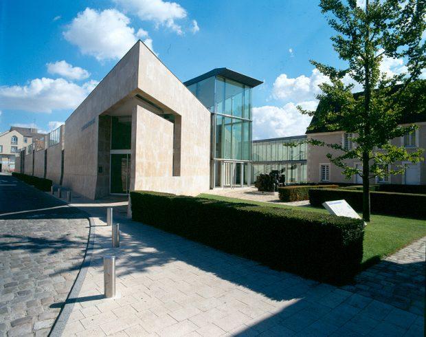Entrée contemporaine musée d'Issoudun – Ekta J.Bernard