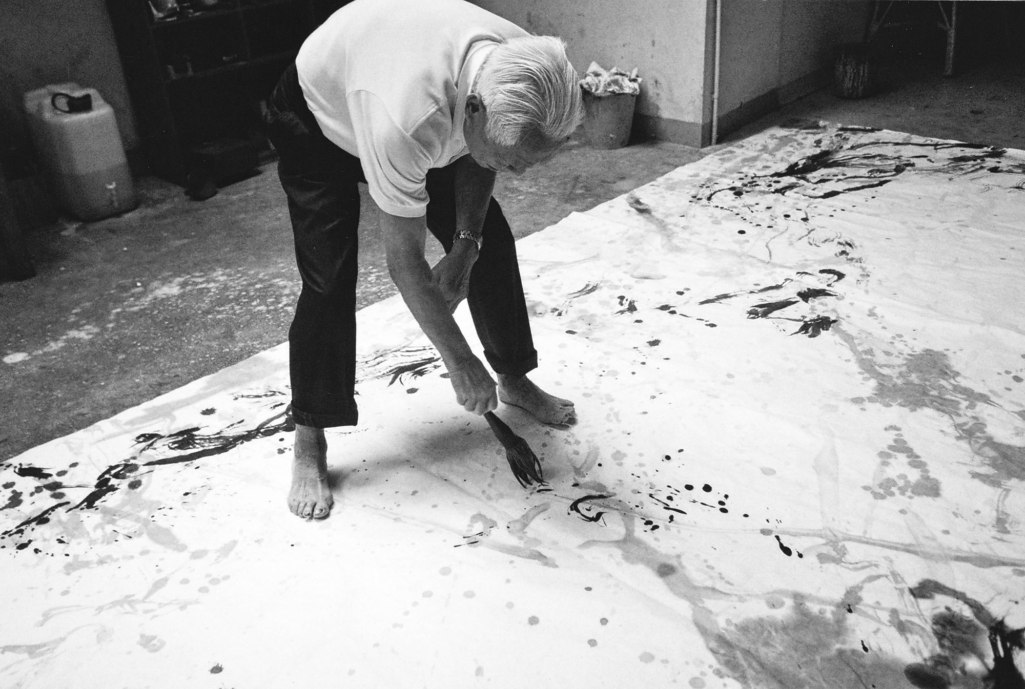 Zao Wo Ki in his atelier. Photo: Françoise Marquet. All rights reserved