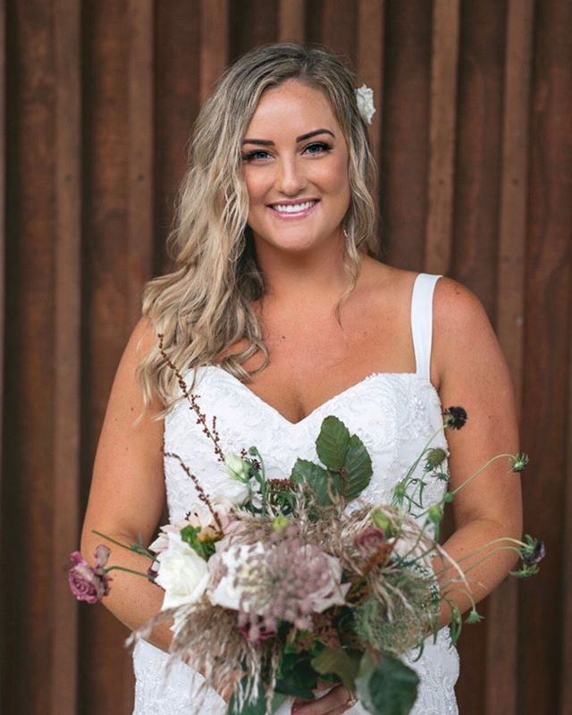 ✨ MO ✨  Photo @zahntrotter Hair @hareandhunter  #makeupartist #mua #brisbanebrides #brisbanemakeupartist #muabrisbane #bridalmakeup #muagoldcoast #goldcoastmakeupartist #byronbaymakeupartist #byronbaybrides #byronbayweddings #meccabeautyjunkie #meccamaxima #sunshinecoastmakeupartist #goldcoastformal #goldcoastbride #brisbanewedding