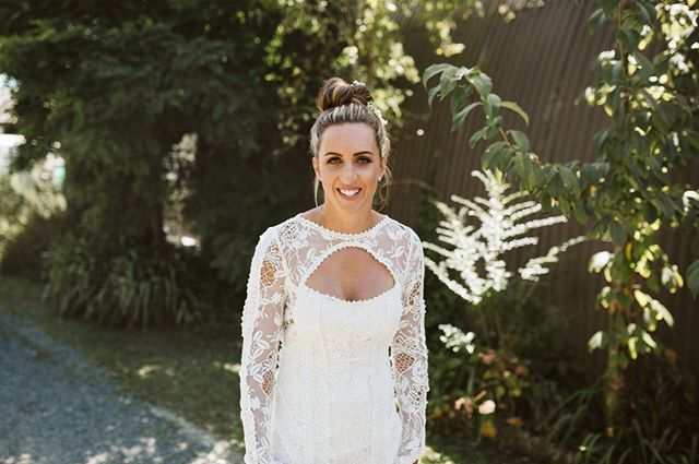 🌸 LOU 🌸⁣ ⁣ Photo @weddingsbyalex⁣ Hair @inspired.hair⁣ ⁣ #makeupartist #mua #brisbanebrides #brisbanemakeupartist #muabrisbane #bridalmakeup #muagoldcoast #goldcoastmakeupartist #byronbaymakeupartist #byronbaybrides #byronbayweddings #meccabeautyjunkie #meccamaxima #sunshinecoastmakeupartist #goldcoastformal #goldcoastbride #brisbanewedding
