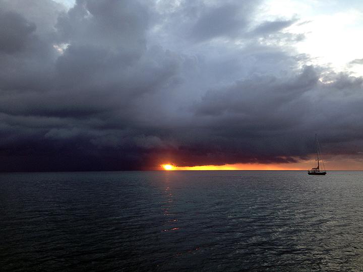 Storm brewin' off Chatham Bay, Union Island