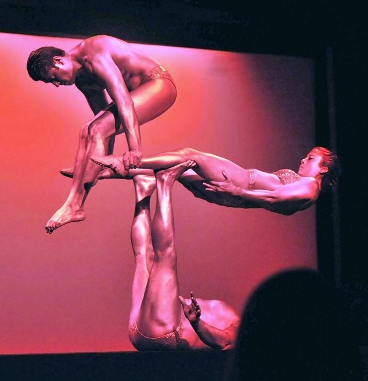 Cirque Le Masque - February 1, 2010