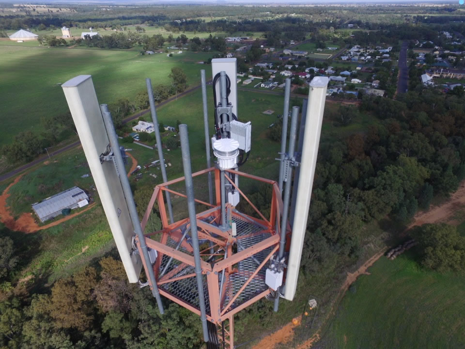 This is our L864-DC on a 100m phone tower in NSW, Thanks for the photo guys!