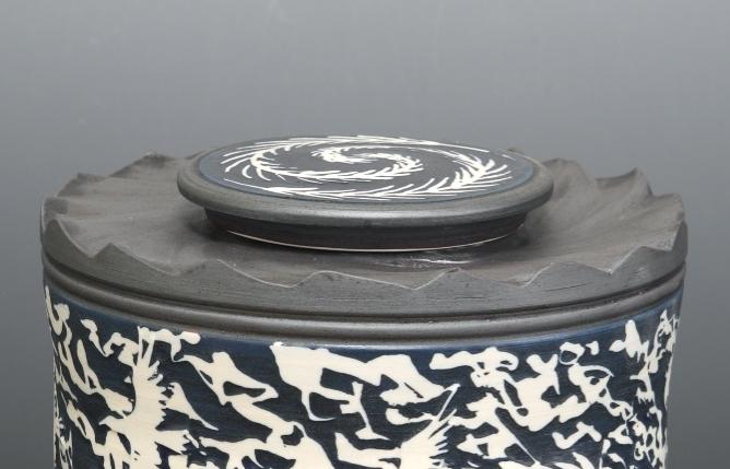 Lid-4  Carved cap flat lid
