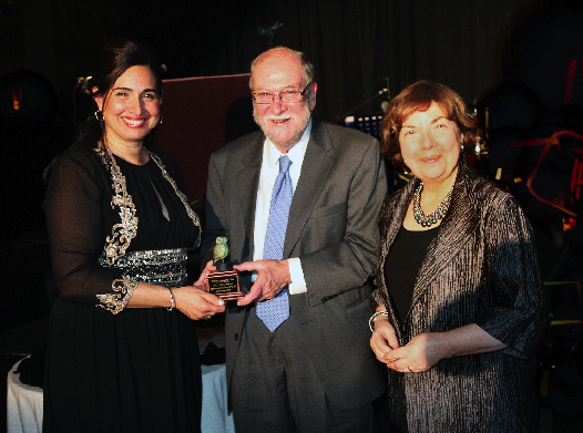 Prof. Edmund Keeley receiving the 2011 Paideia Award