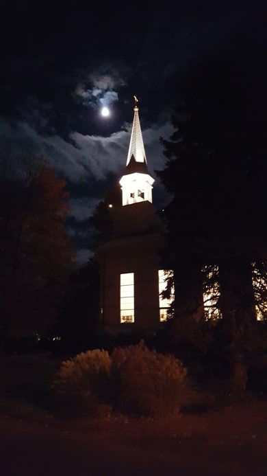 Full moon at Jazz & Musings.