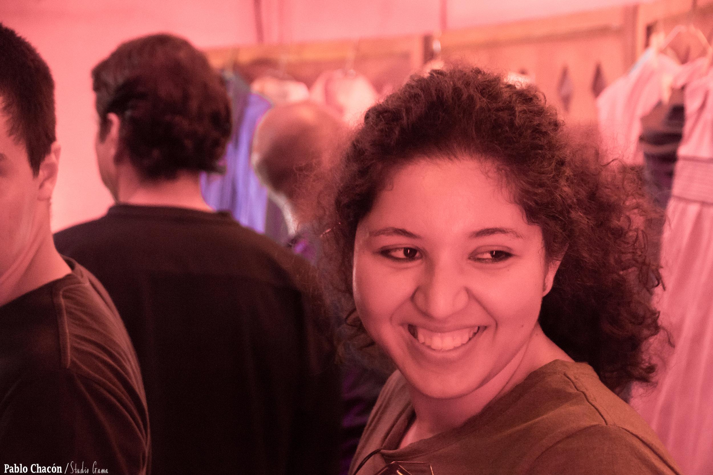 """""""Dentro del equipo de profesionales del filme  Un Regalo Esencial  sobresalen Elizabeth Soto-Lara, guionista mexicana radicada en la ciudad californiana de Los Angeles."""""""