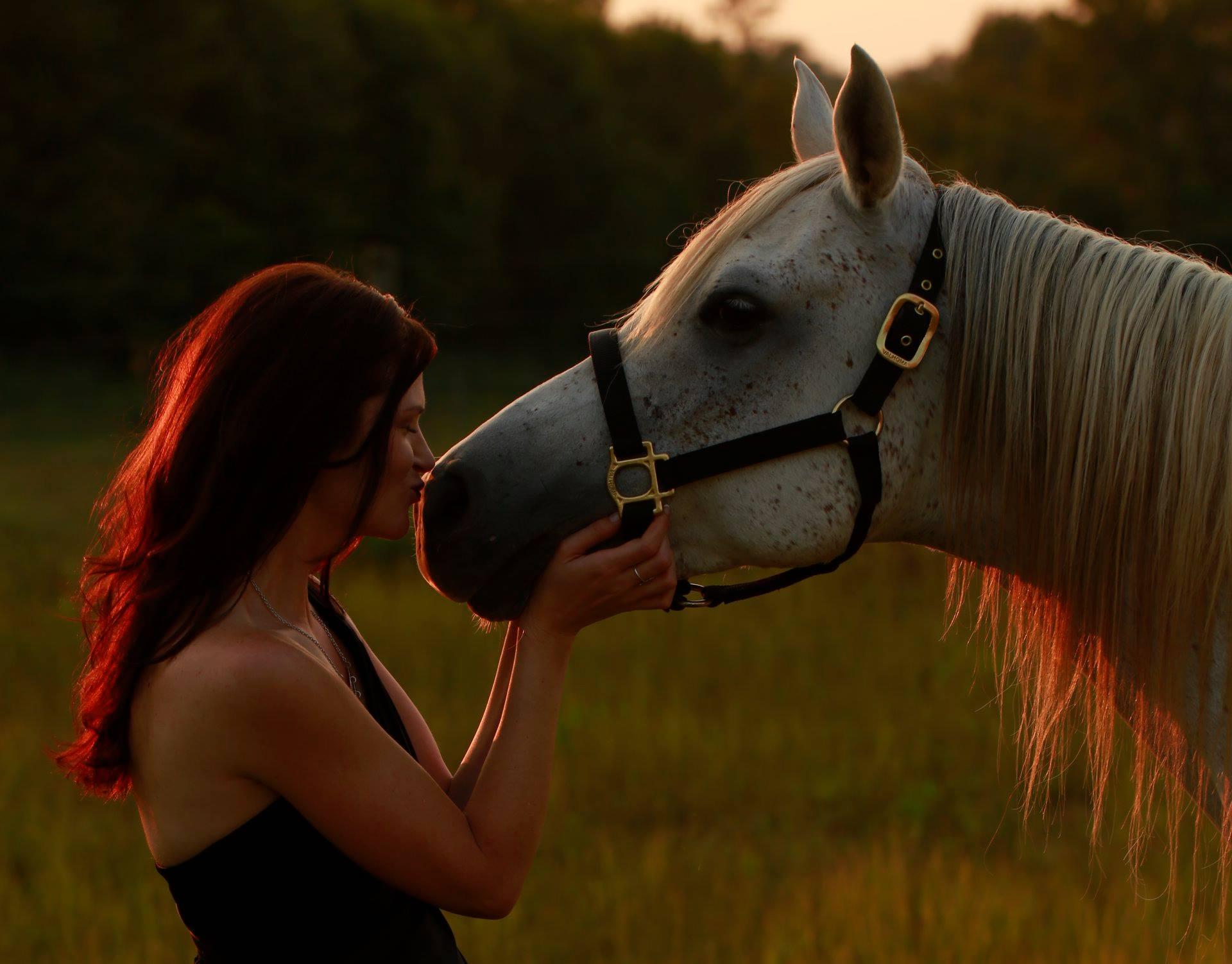 Christine-Horse2.jpg