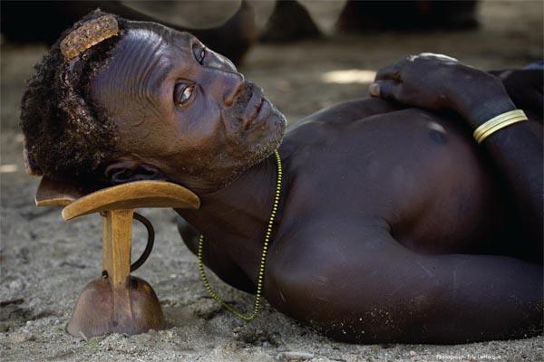 Egyptian head rest