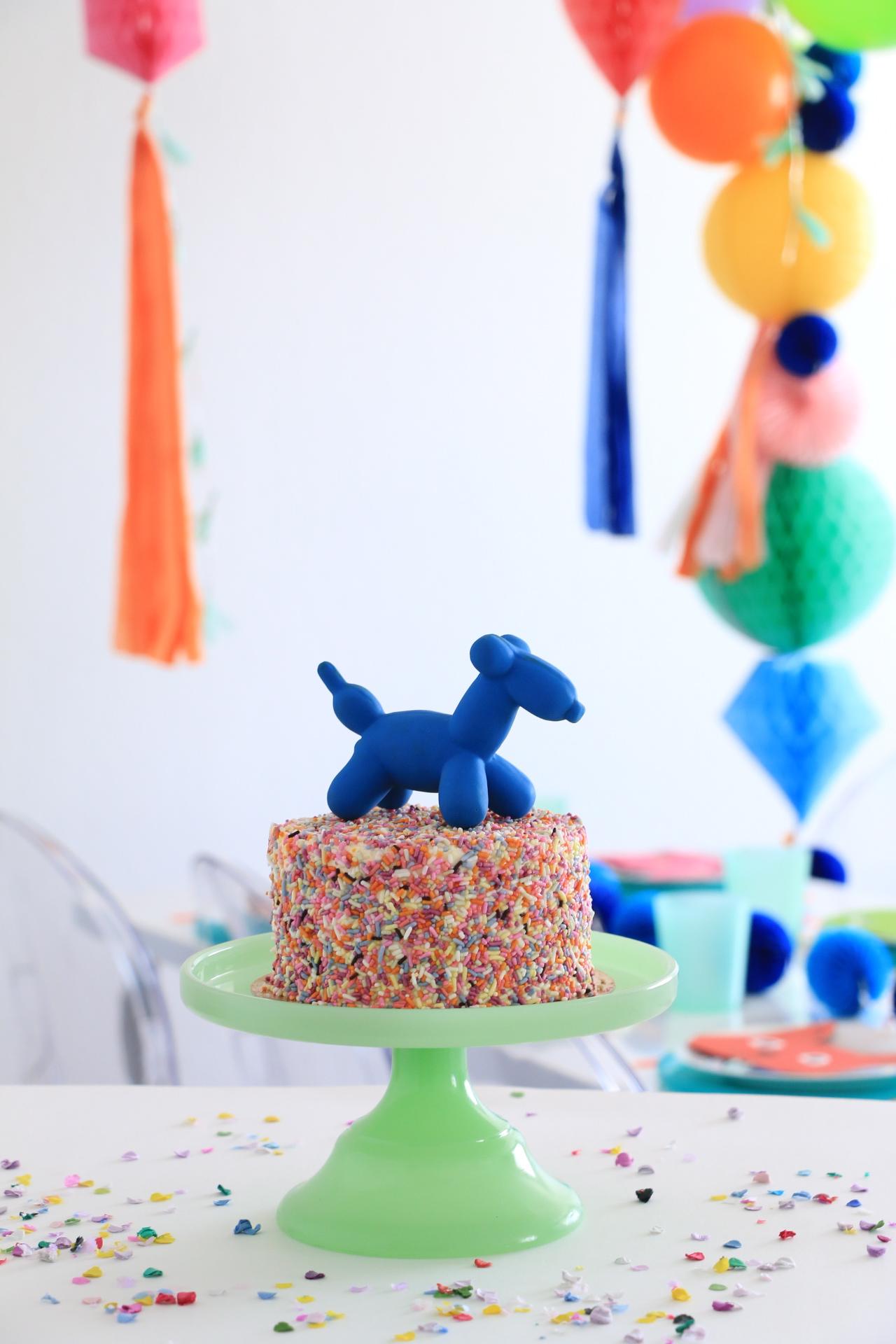 Ballon_Animal_Cake_topper_Anthony_and_stork.jpg