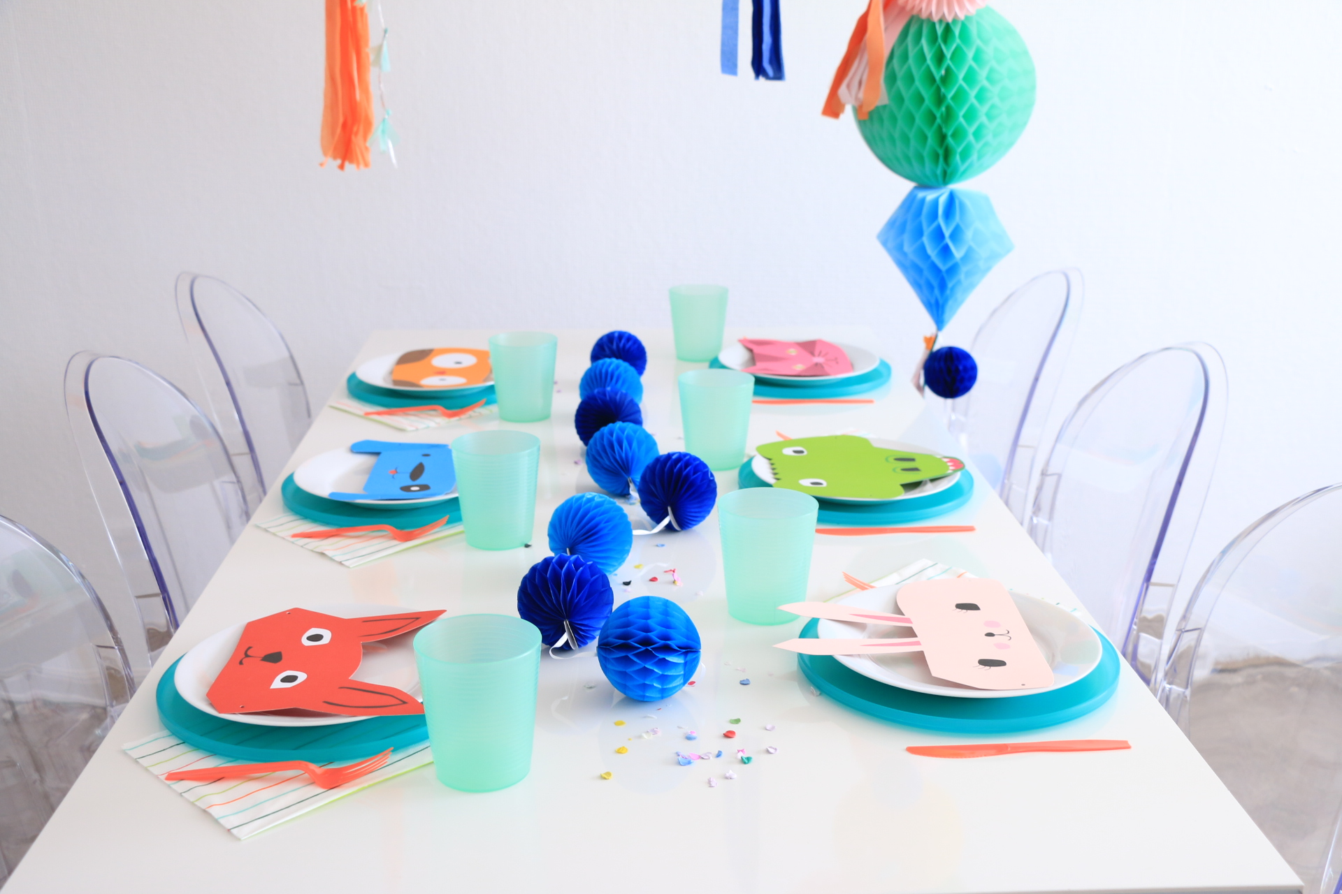 Balloon_Animal_party_Placesetting.JPG