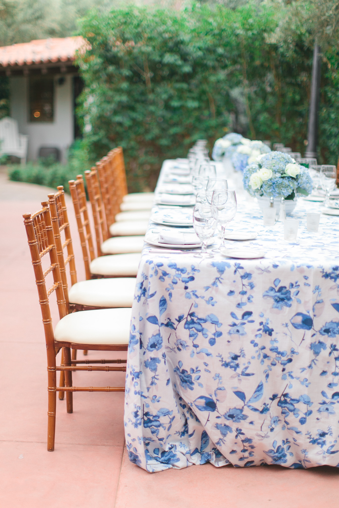 ElChorro_La Tavola Harper Linen_Anthony-and-stork_Table-14.jpg