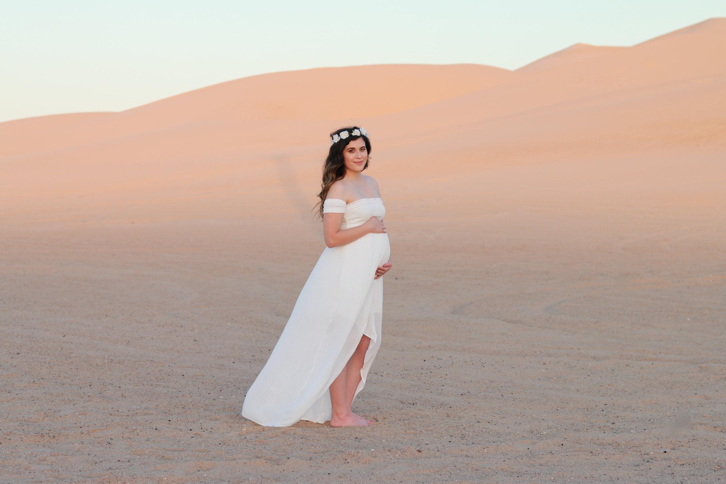 Anthony-and-Stork-Desert-Maternity-Shoot_2664.JPG
