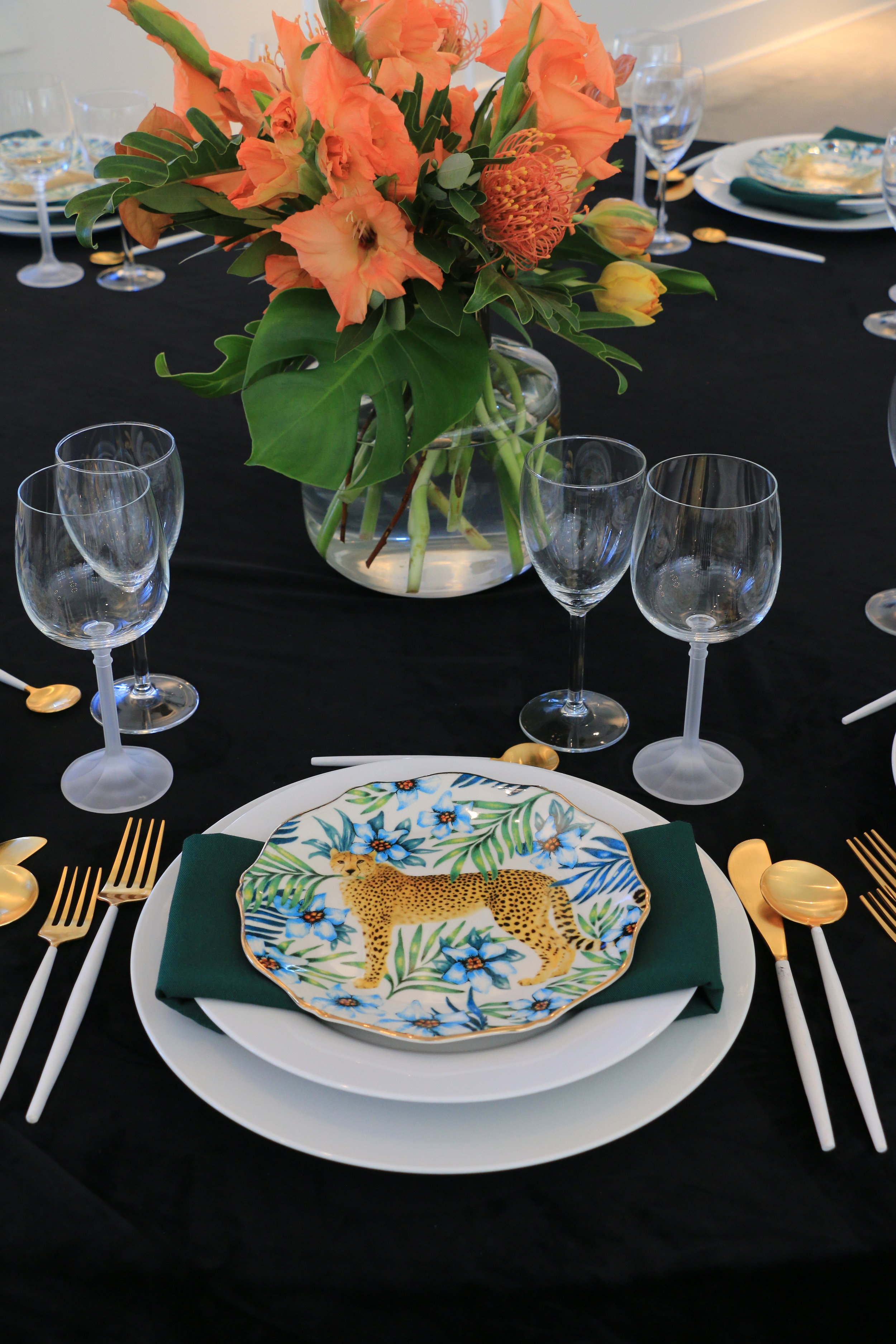 Anthony_and_Stork-Leopard-Table-setting_Events_4641.JPG