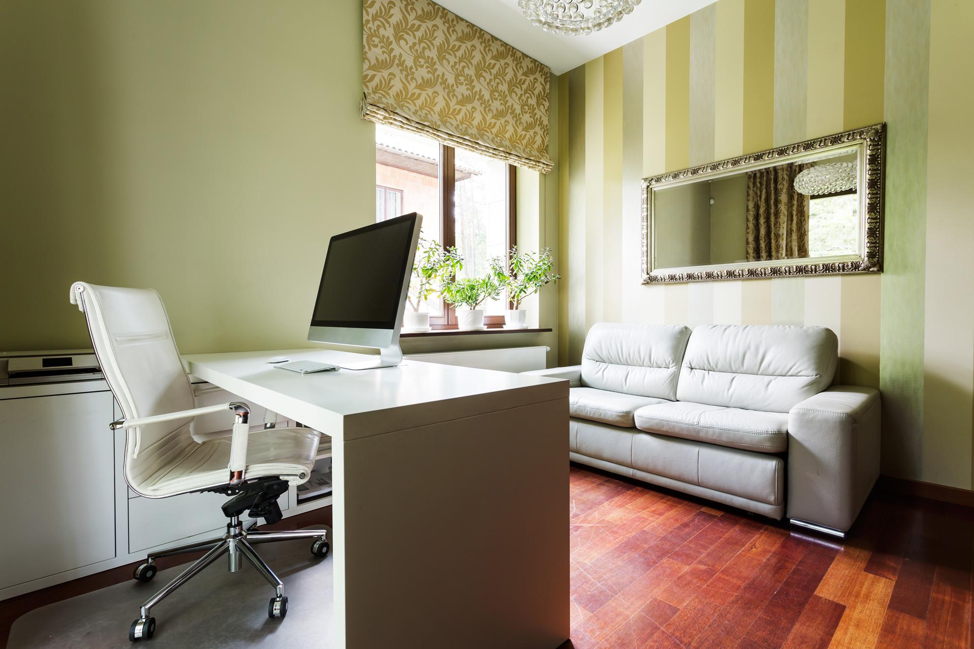 calm-office-in-pastel-colors-PJM8S88-sm.jpg