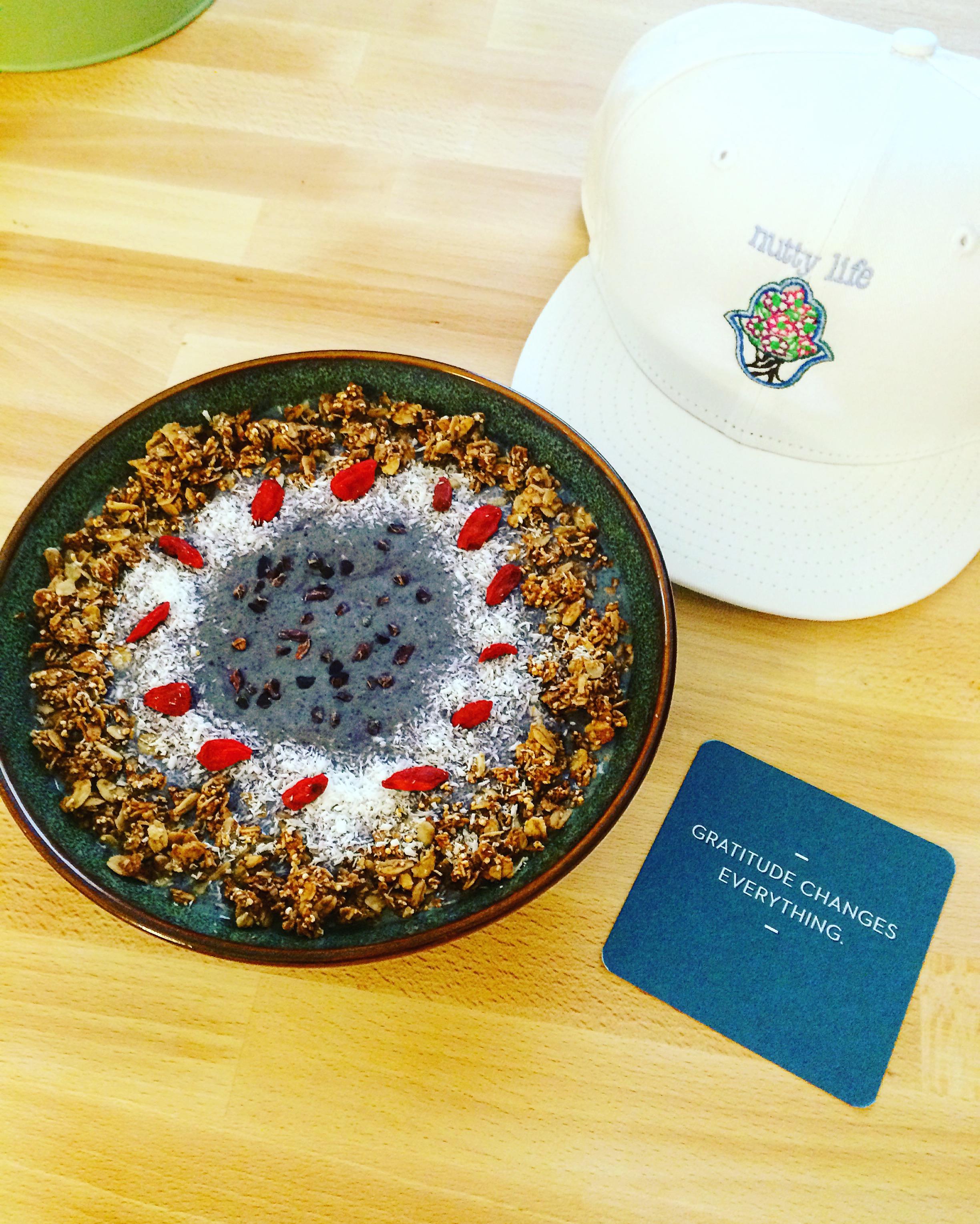 my delicious smoothie bowl....yum yum yum!
