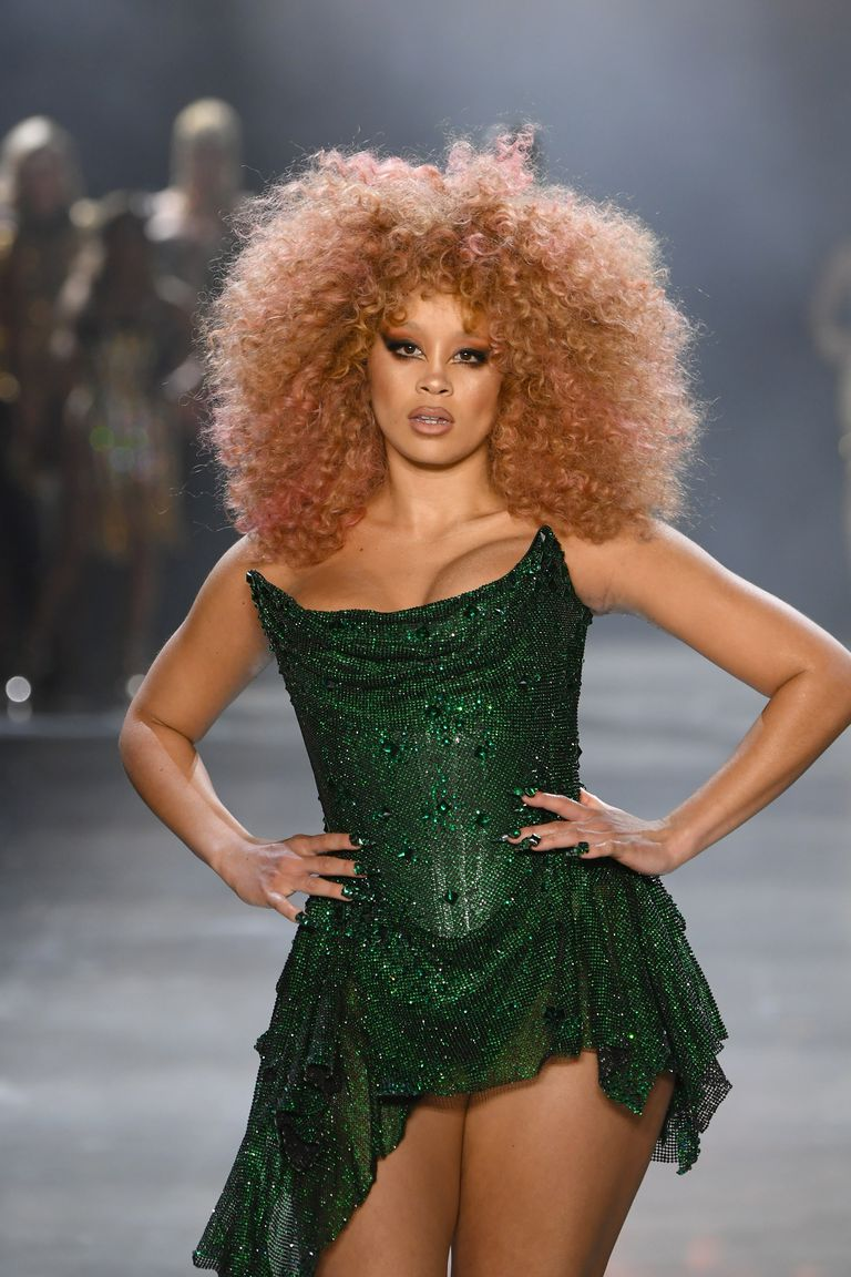 lion-babe-walks-the-runway-for-the-the-blonds-fashion-show-news-photo-1124516274-1550068710.jpg