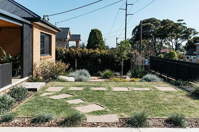 These steppers were the old driveway at our Woolooware project. We used them to cut through the lawn from the front gate. Redcor edging from @ideal_edging Plants from @exotic_nurseries