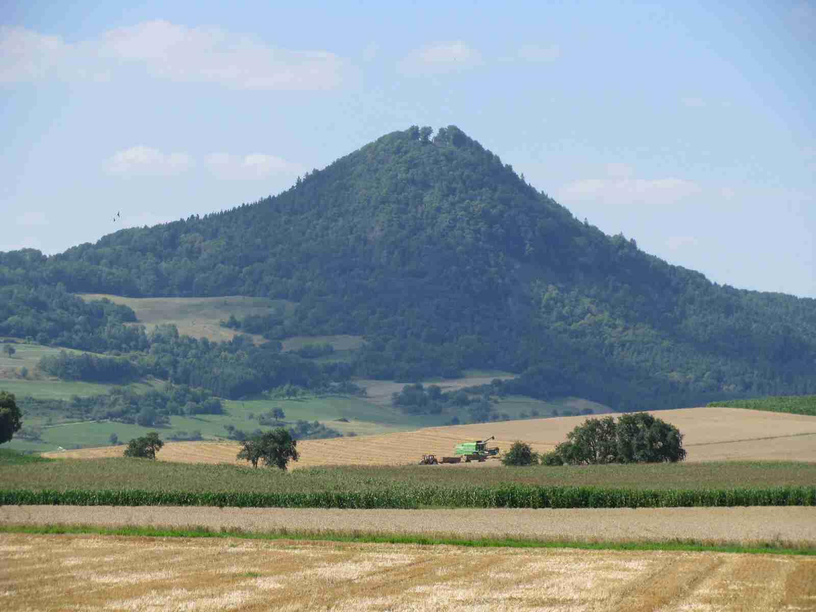 Vulkankegel Hohenhewen  844 m ü. NN