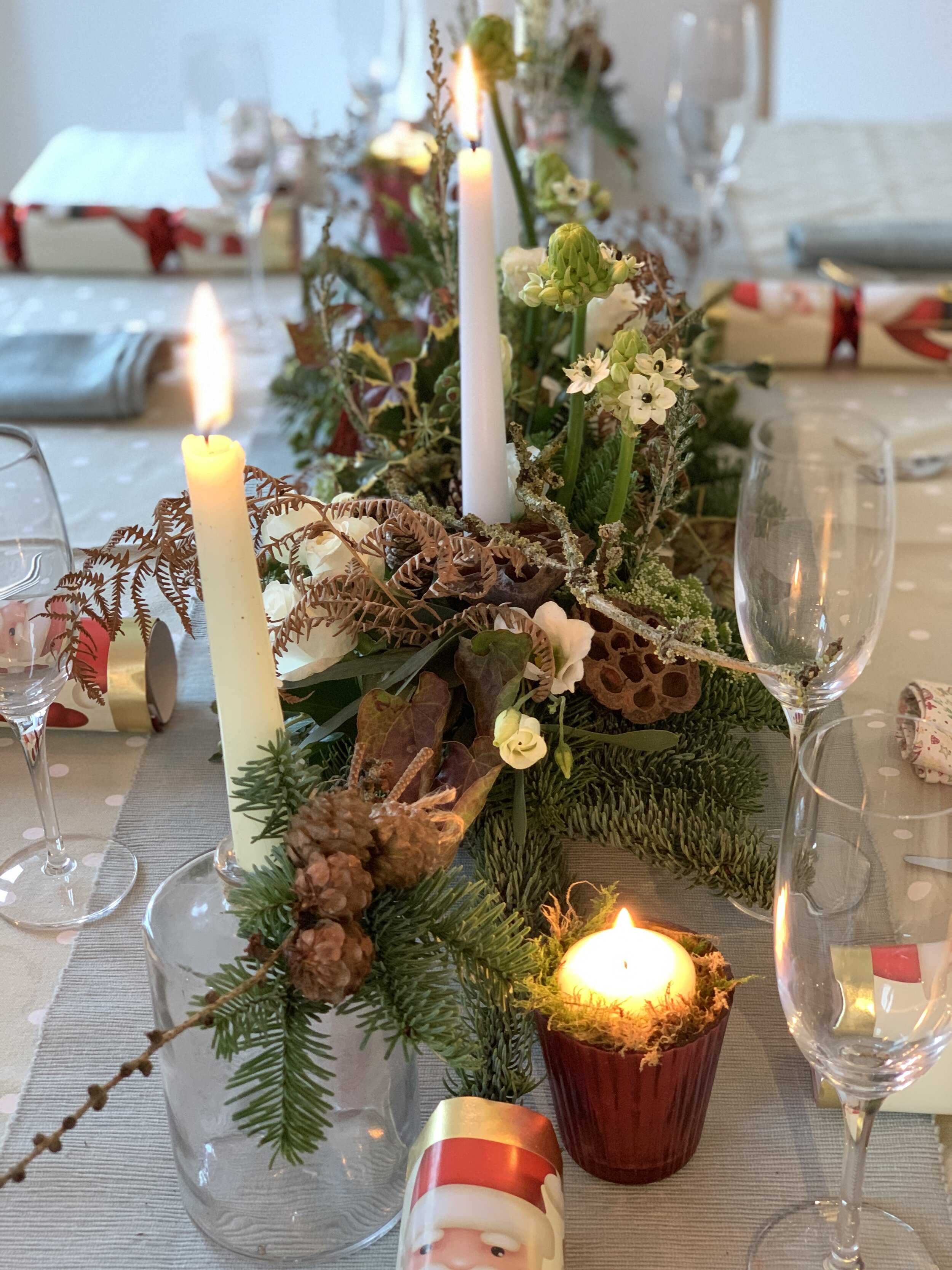Christmas table design - Materials may vary depending on availability at the time of sourcing.