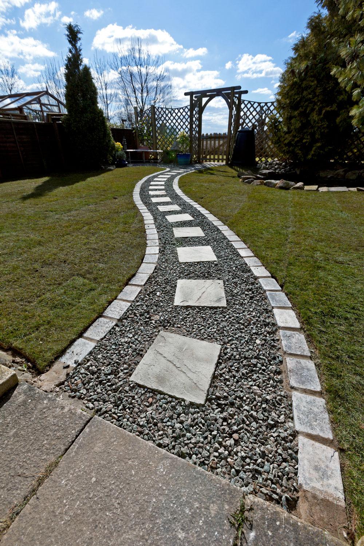 Pathway-to-gate.jpg