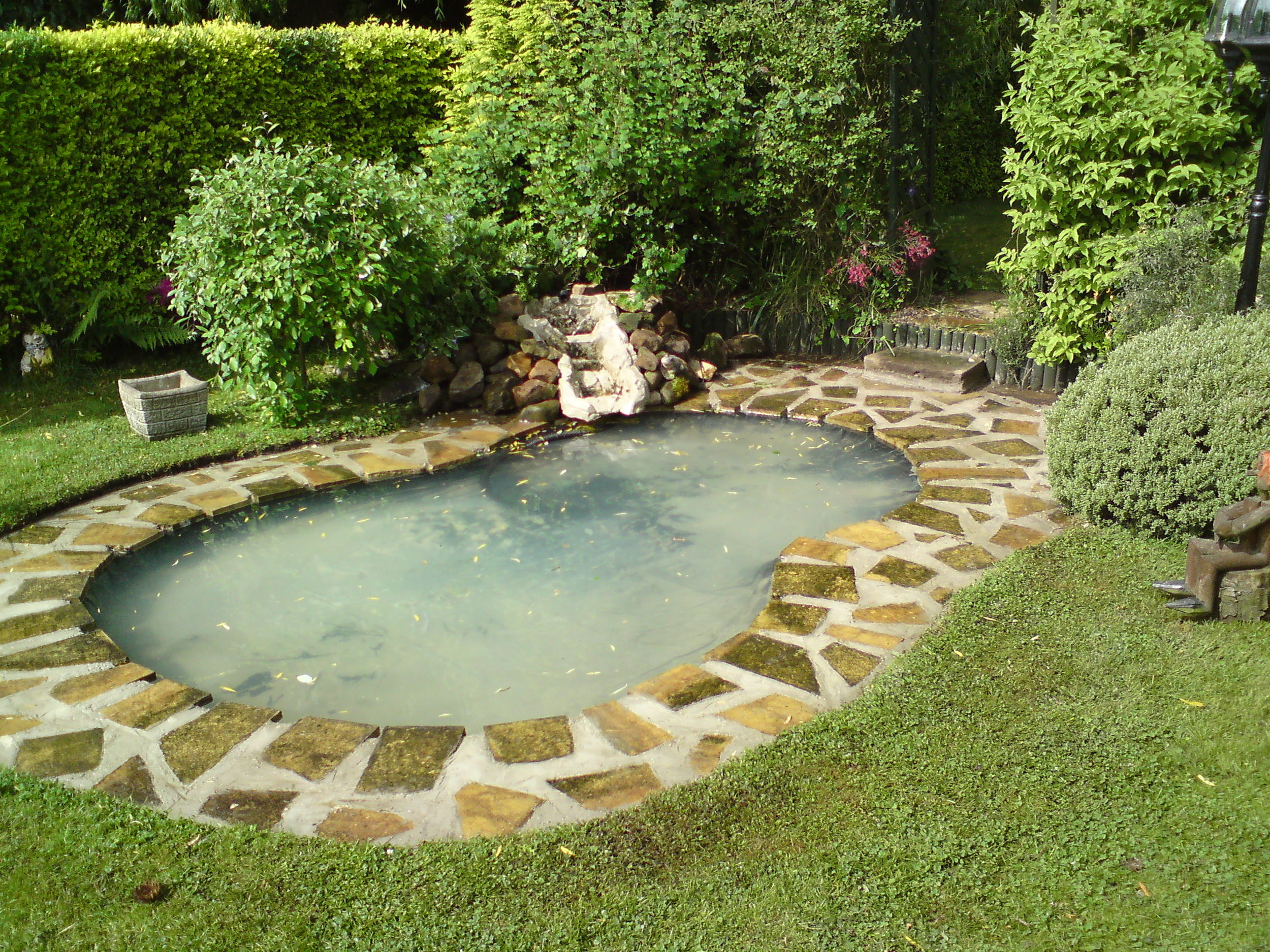 chris rivers ponds and water features design york 1.JPG