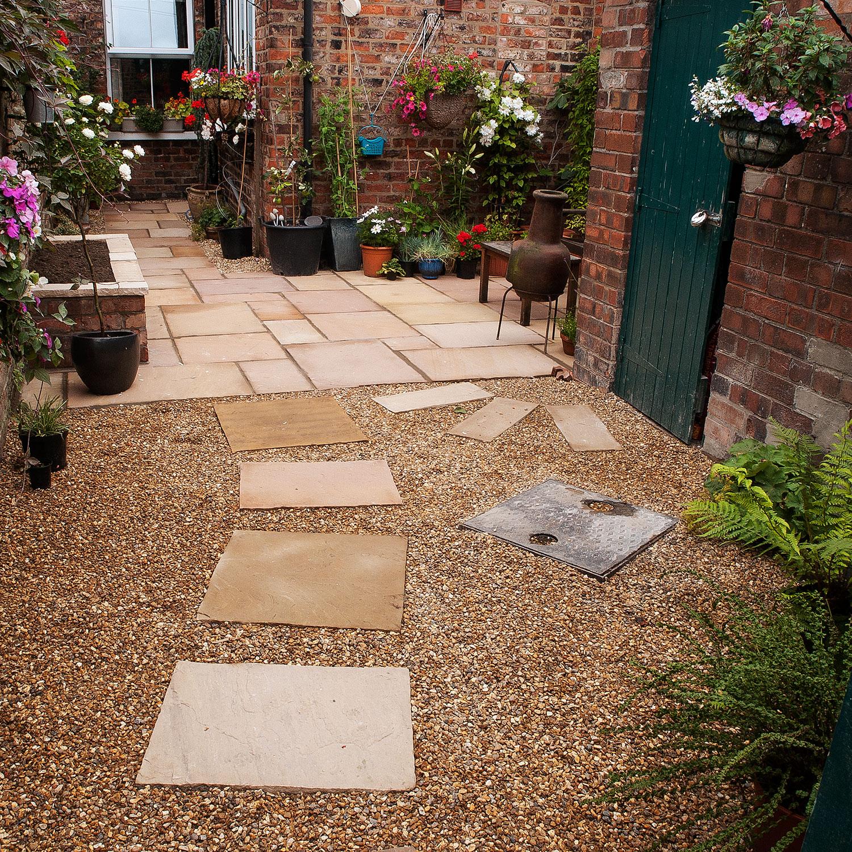 City Garden 02chris_rivers_garden_design_York.jpg