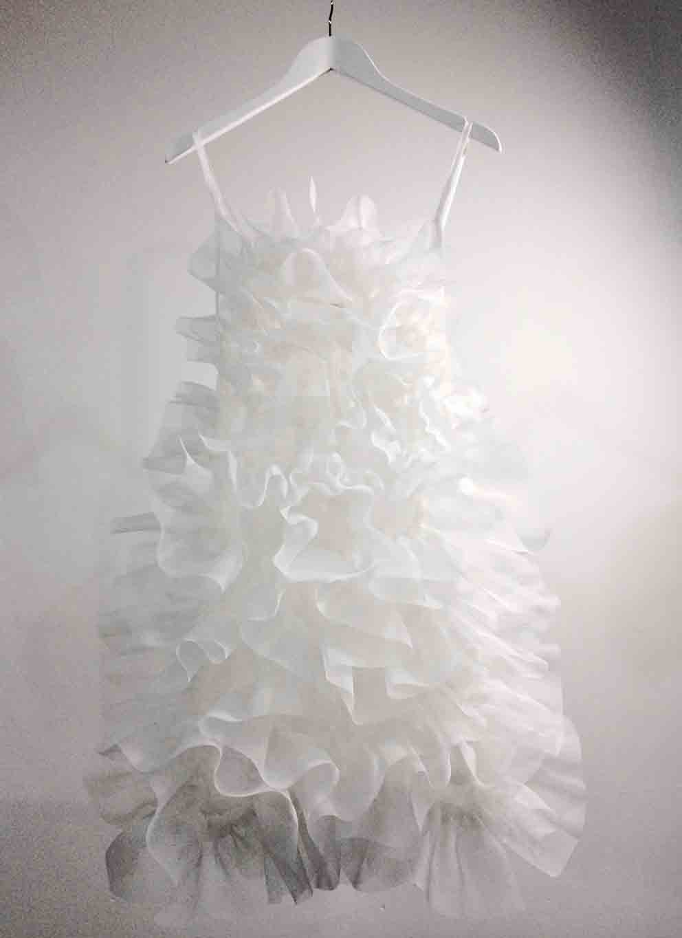 white hand-link ruffle dress (special edition)