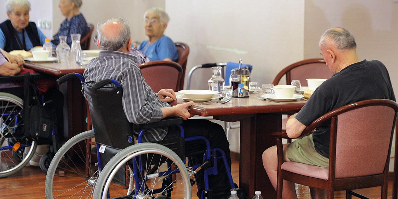 Des-seniors-souvent-denutris-dans-les-maisons-de-retraite.jpg