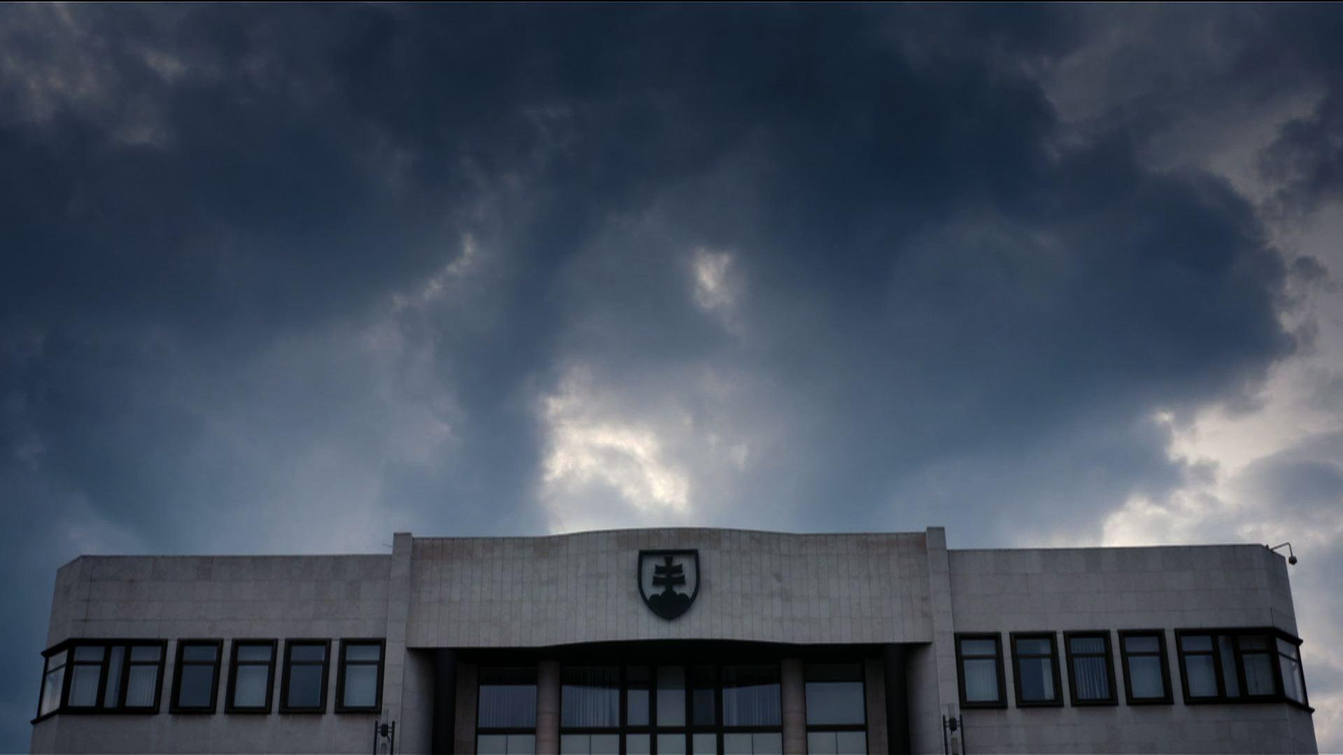 MECIAR_parlament.jpg