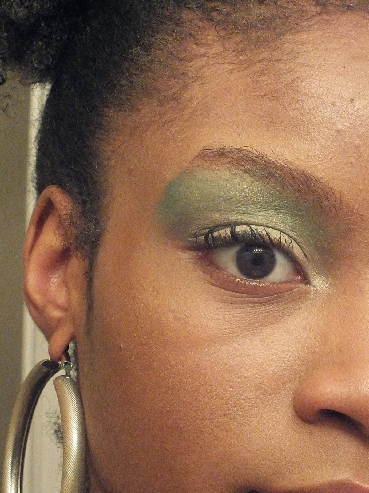 green+eyeshadow+for+brown+eyes.JPG