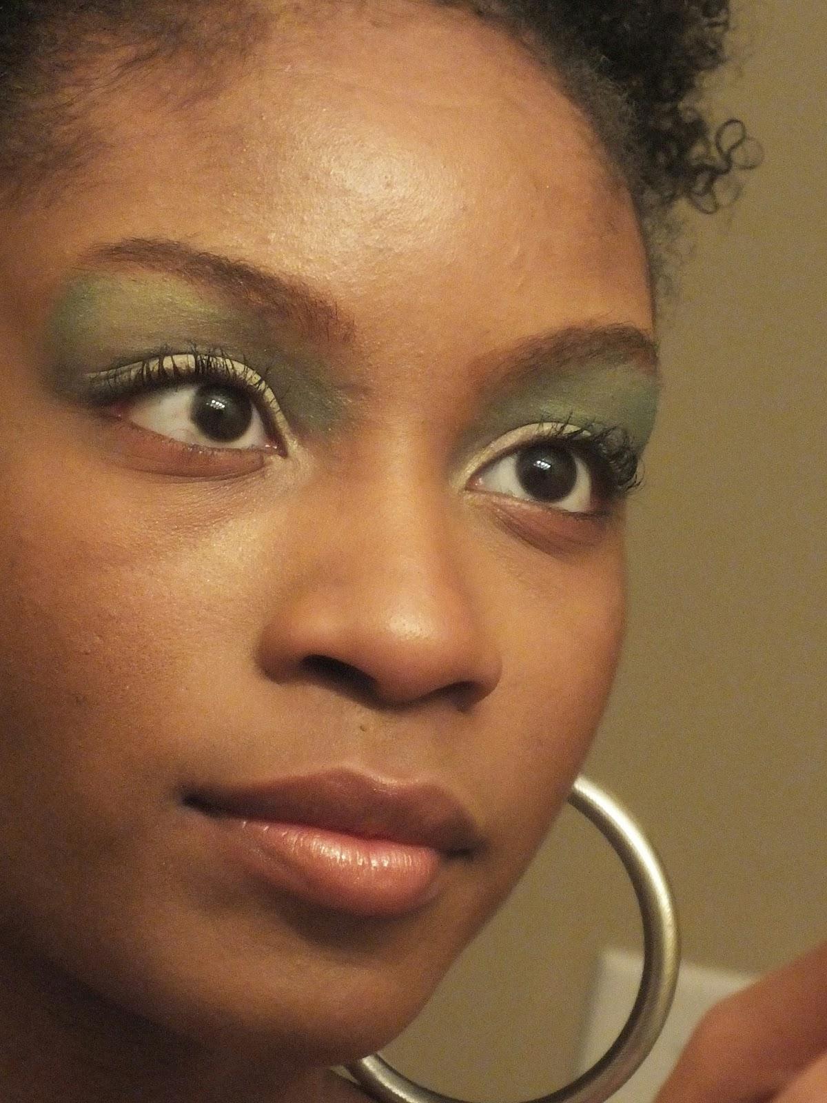 How+Much+Money+Do+Makeup+Artists+Make.JPG