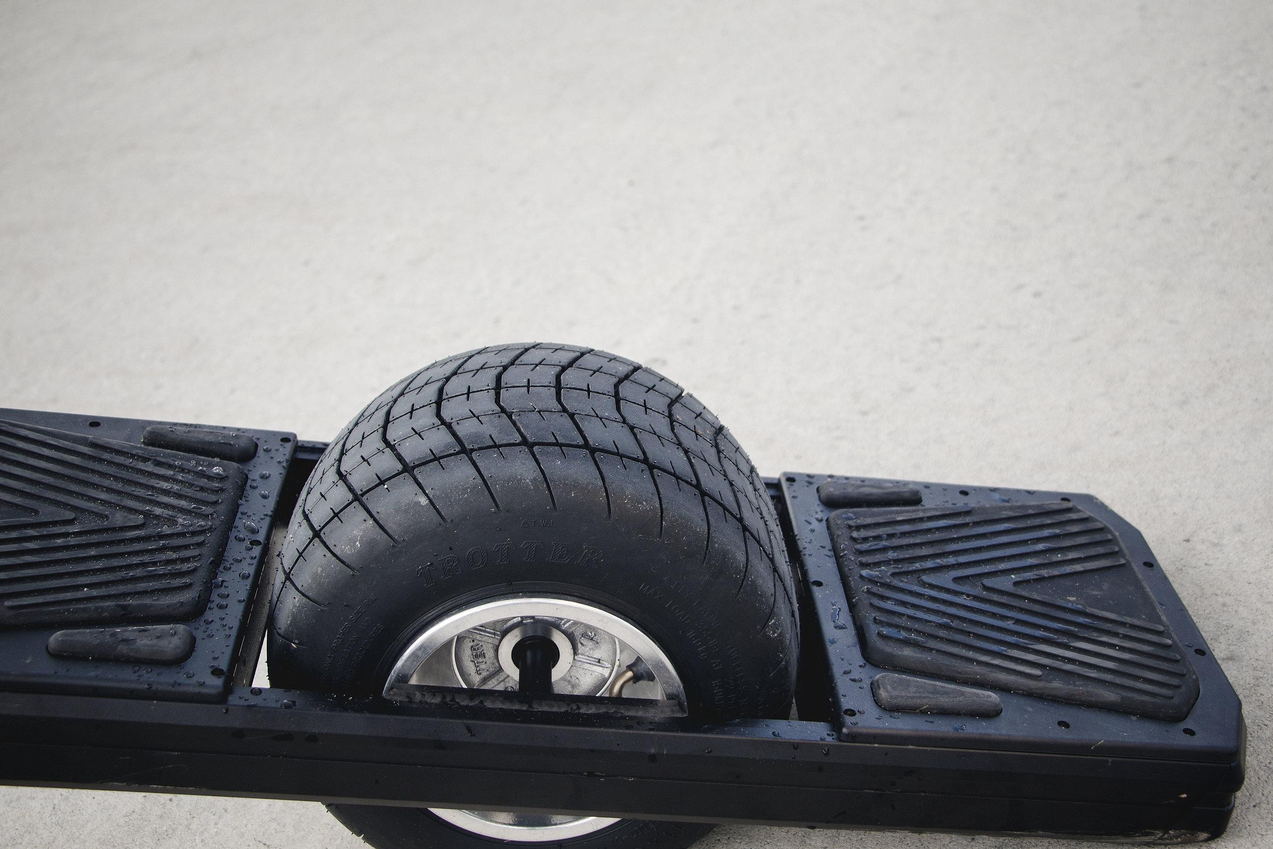 OneWhell roue tout terrain 4x4 électrique motorisée