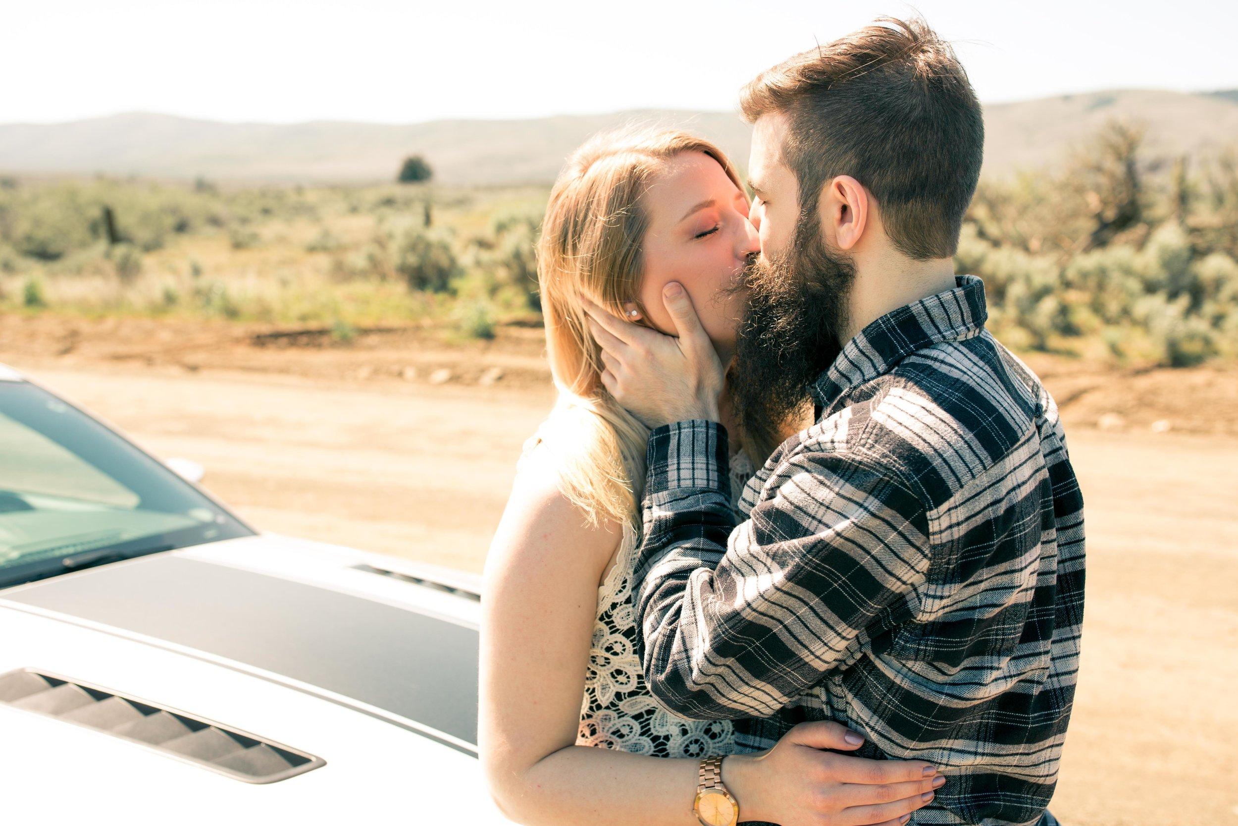 Aimee&Travis-Engagement-BLOG-6.jpg