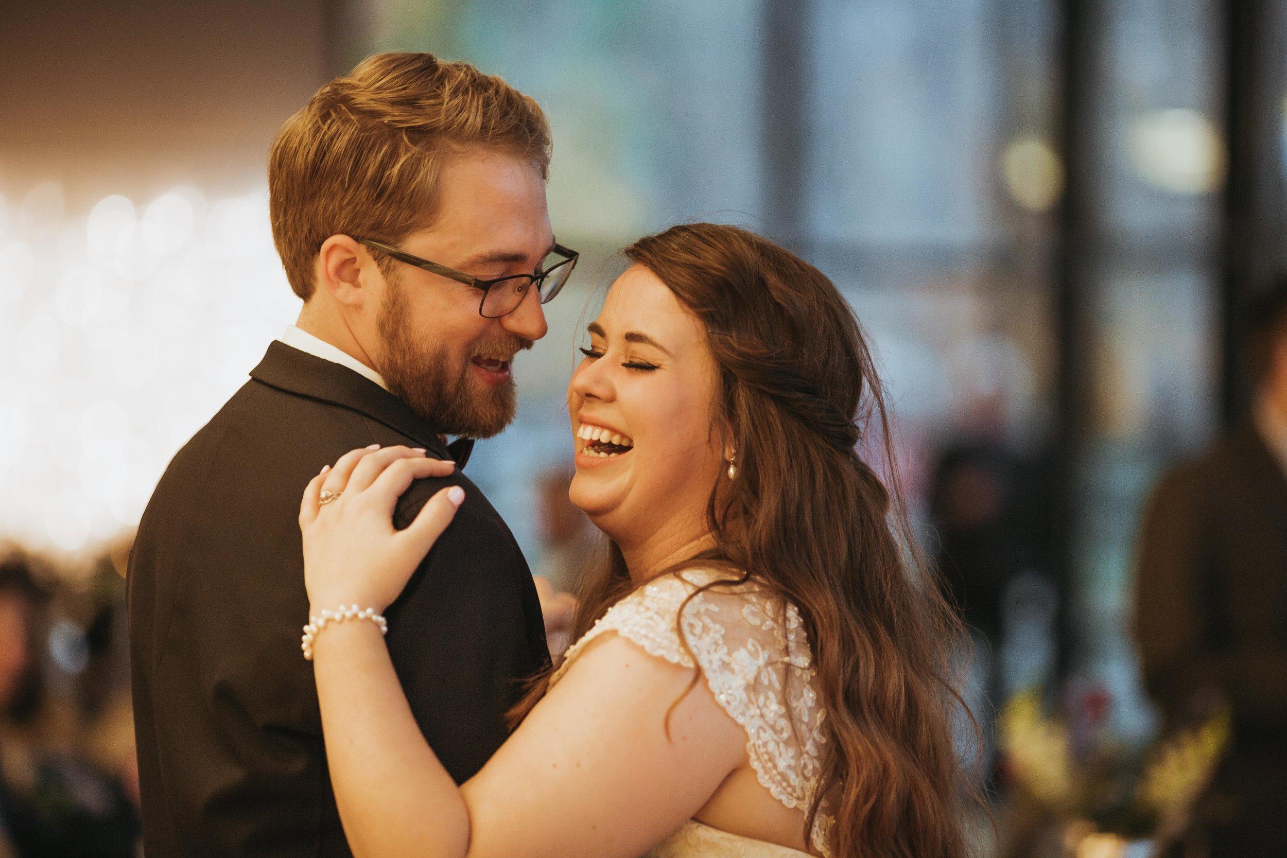 Brooke&Andrew-SneakPeekBLOG-104.jpg