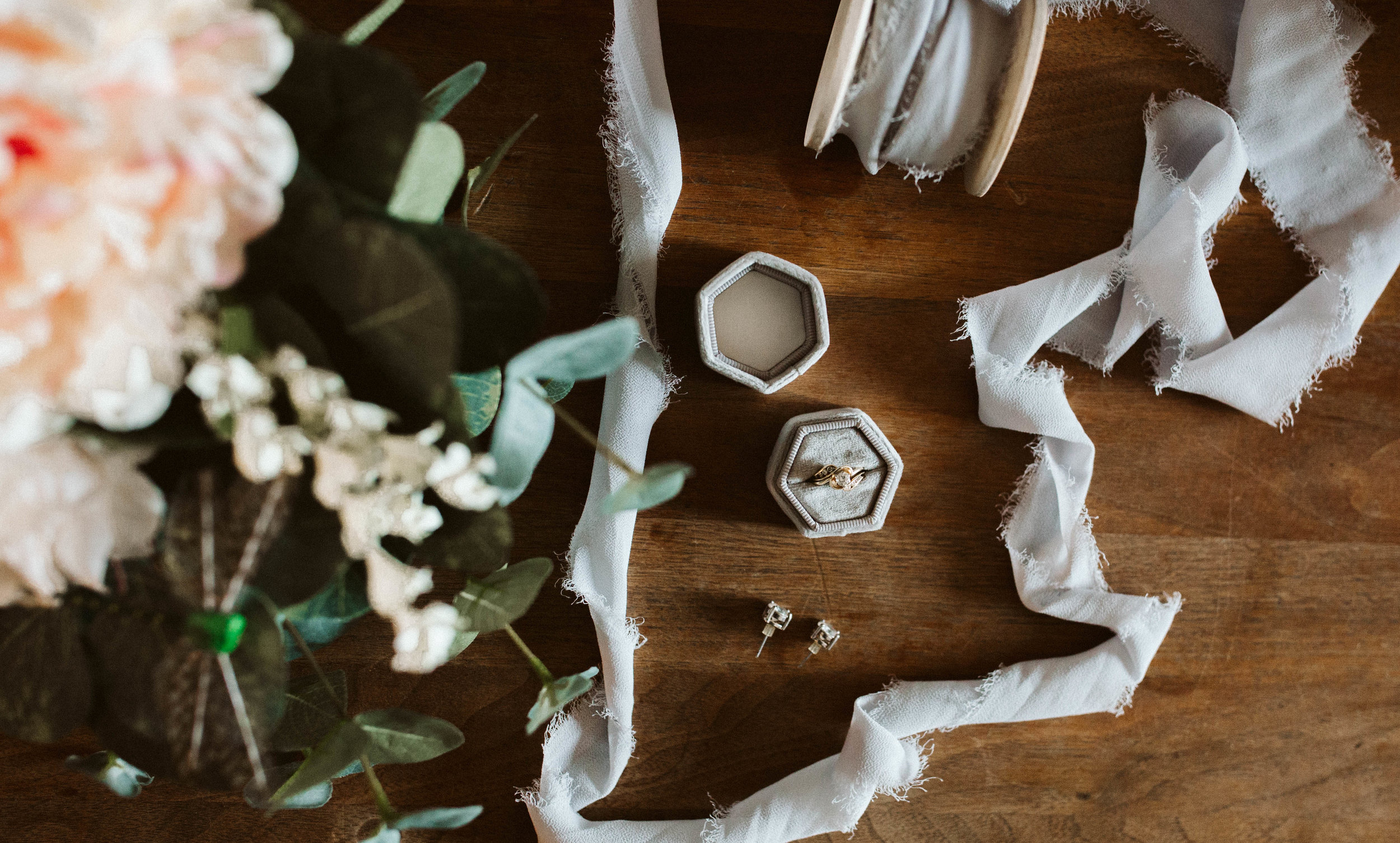 izzy+jacob-weddingsneakpeekblog-3.jpg