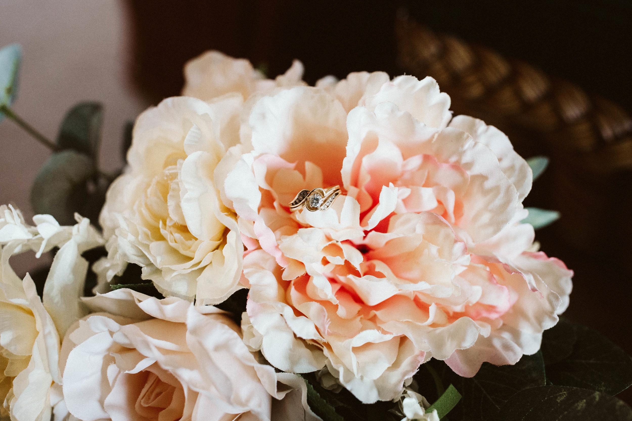 izzy+jacob-weddingsneakpeekblog-4.jpg