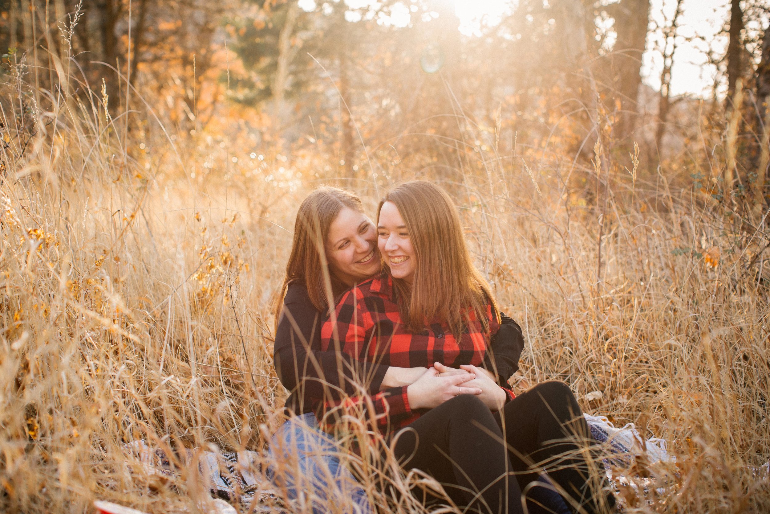 Love Inc Magazine - Cozy Golden Hour Engagement Shoot in Rustic Washington Valley
