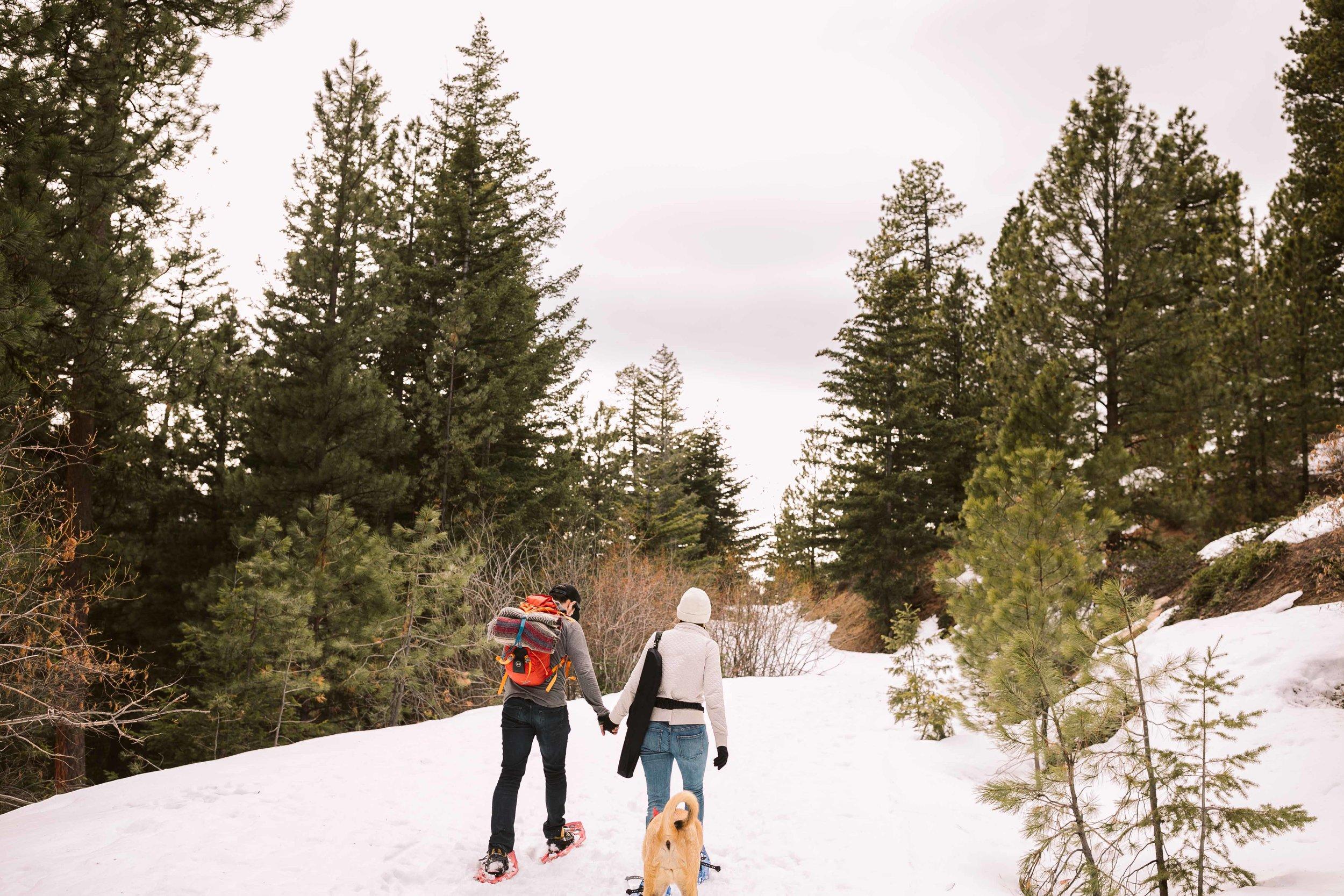 snowshoe-engagement-photos-13.jpg