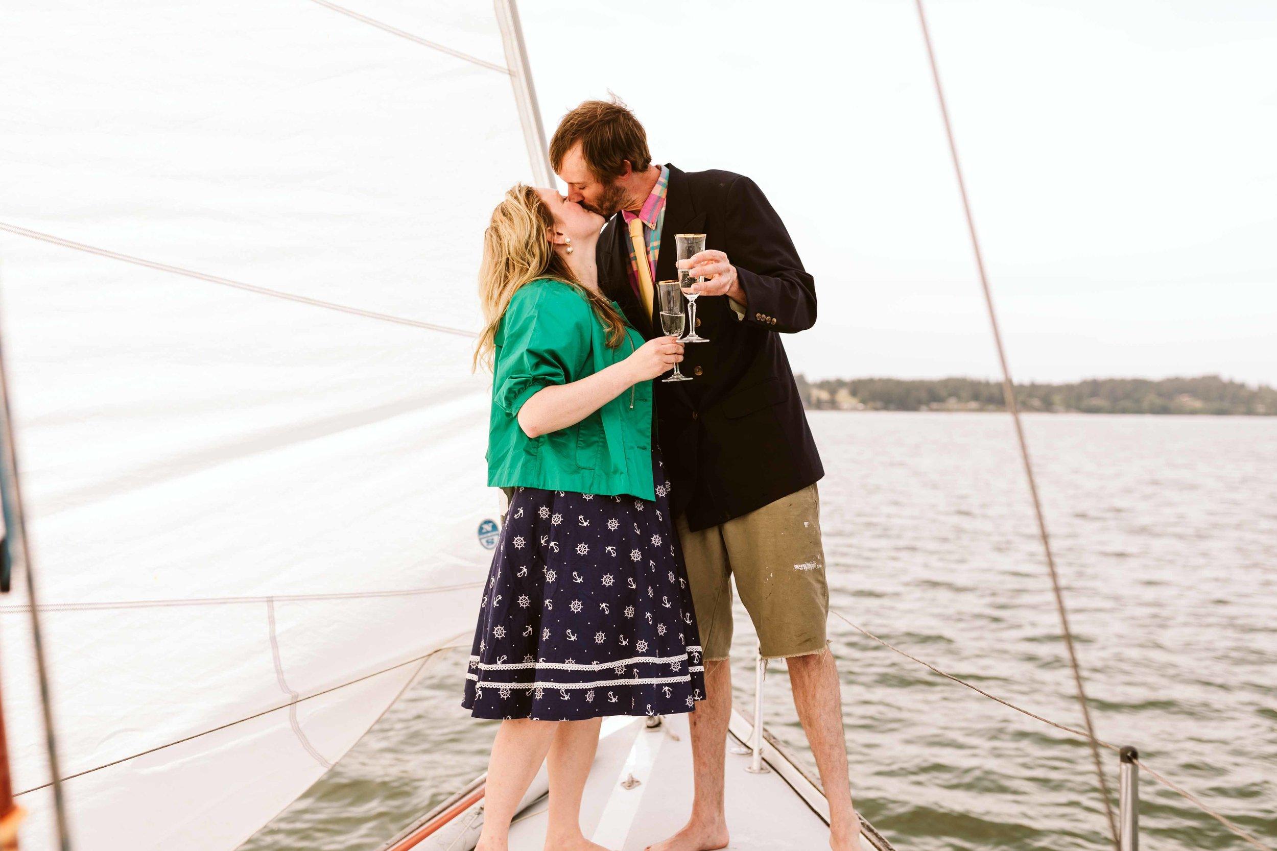 sailboat-engagement-photos-3.jpg