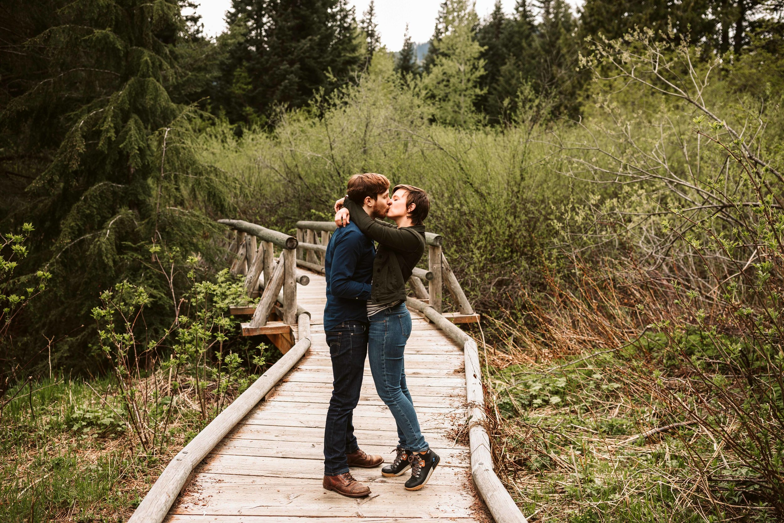 gold-creek-pond-trail-engagement-7.jpg