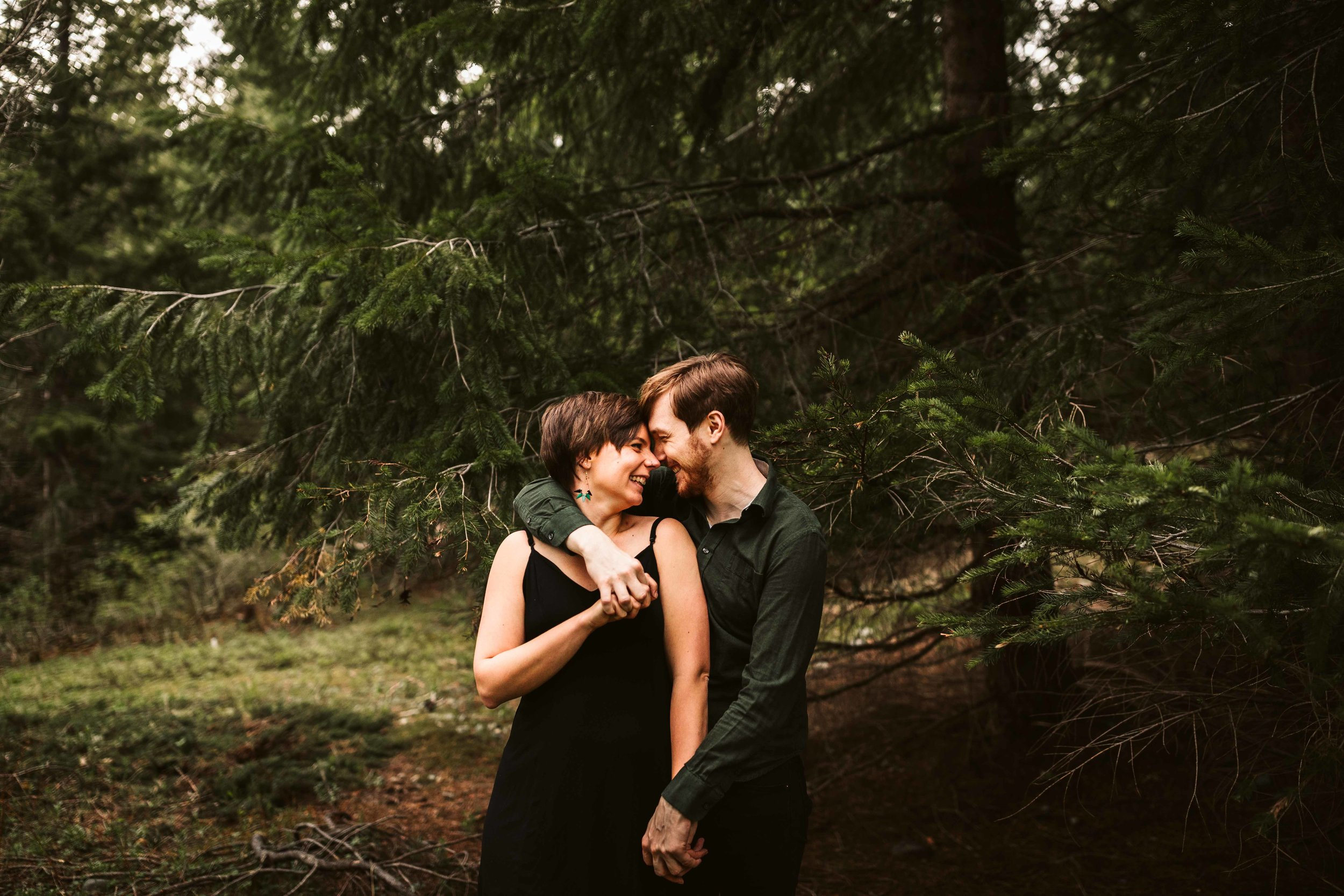 gold-creek-pond-trail-engagement-37.jpg