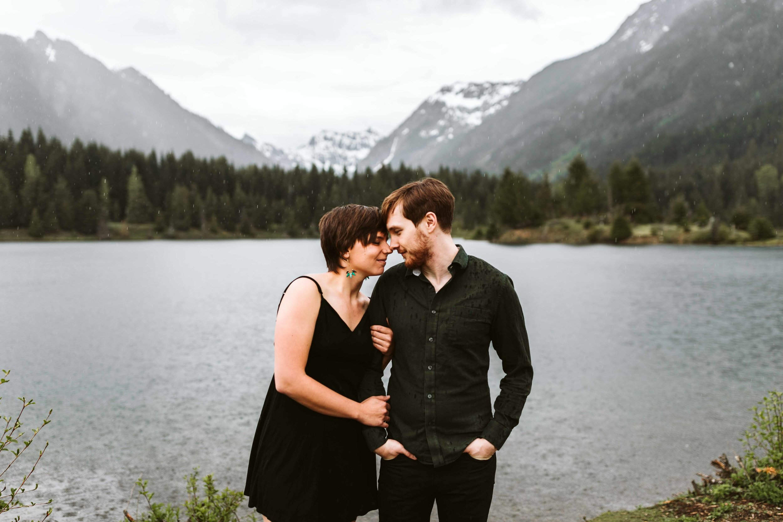 gold-creek-pond-trail-engagement-46.jpg